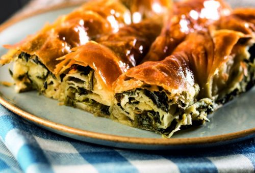 Ispanaklı Sarıyer Böreği Tarifi ( Kol Böreği )