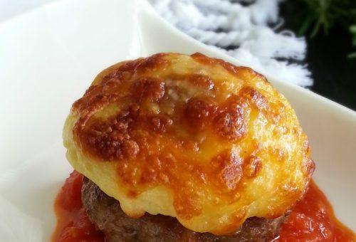 Püreli domates soslu köfte tarifi: Vazgeçilmeziniz olacak