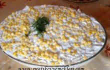 Yoğurtlu Erişte Salatası
